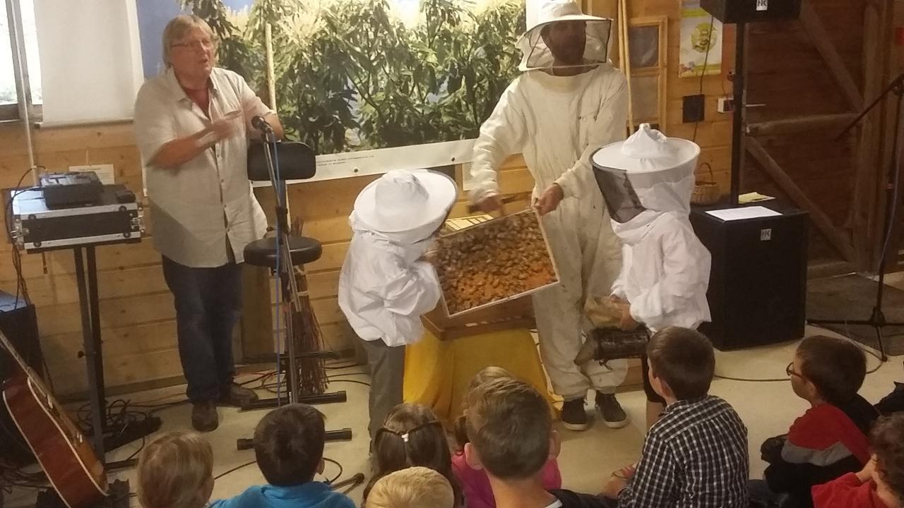 5 Bravo aux apiculteurs en herbe !